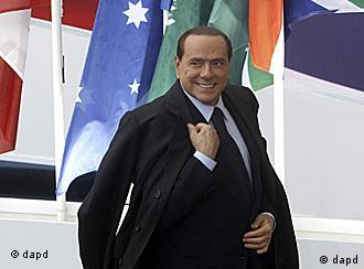 Berlusconi in Cannes (Foto: dapd)