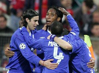 Chelsea's Didier Drogba with teammates Tiago, Claude Makelele and Joe Cole