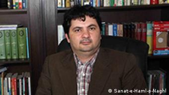 همایون ذرقانی سردبیر مجله صنعت حمل و نقل میگوید واگذاری پروازهای داخلی به قطر اشکال قانونی دارد