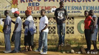 Muitos jovens estão desempregados e existe um enorme potencial para conflitos