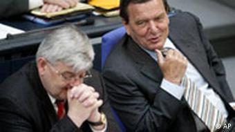 Gerhard Schröder und Joschka Fischer im Bundestag China