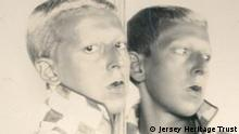 Die andere Seite des Mondes Claude Cahun, Selfportrait (reflected in mirror), ca. 1928, Fotografie, 18 x 24 cm, Jersey Heritage Collections, © Jersey Heritage Trust Foto: © Jersey Heritage Trust © Kunstsammlung NRW Auflösung: 2887px * 2302px