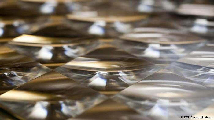 Fresnel lenses that directe sunlight directly onto solar cells Copyright: DZP, Ansgar Pudenz