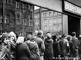 Produtos nas lojas Intershop normalmente só eram acessíveis aos alemães-ocidentais