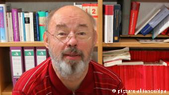 Der Chemnitzer Politikwissenschaftler Eckhard Jesse (c) dpa - Report+++