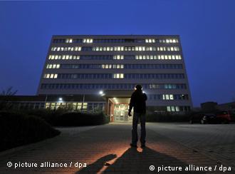 Los investigadores creen que los neonazis tuvieron cómplices y vuelven la mirada hacia el servicio secreto alemán.