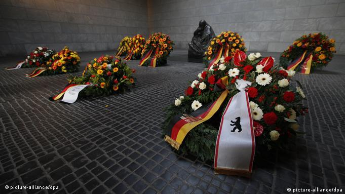Funeral wreaths with German colors