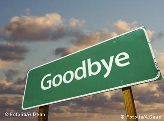 Symbolbild Strassenschild Abschied Goodbye