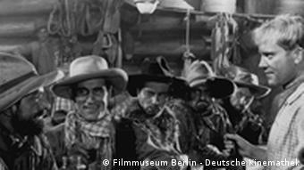 Filmszene aus Der Kaiser von Kalifornien mit Paul Verhoeven von Luis Trenker (1936)