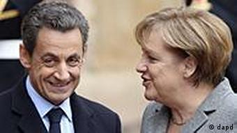 Frankreich Deutschland Finanzkrise Nicolas Sarkozy und Angela Merkel in Straßburg