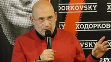 Der russische Schriftsteller Boris Akunin während der Präsentation des Dokumentarfilms Khodorkovsky (Regie: Cyril Tuschi) in Moskau am 25. November 2011; Copyright: DW/Sergei Morozov