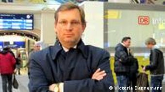 Winfried Hempel Anwalt der Opfer von Kolonie der Würde