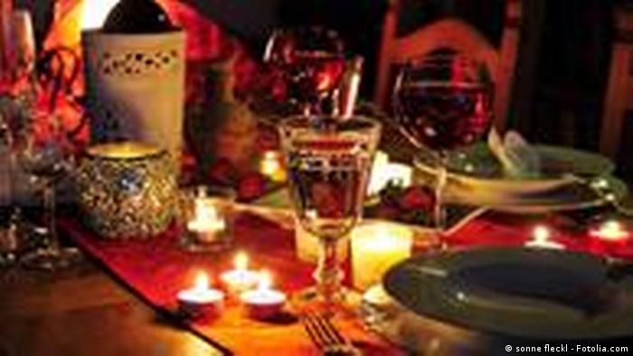 Festliches Abendessen Symbolbild (sonne fleckl - Fotolia.com)