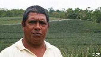 Jesus Baraona Ananasbauer in Costa Rica