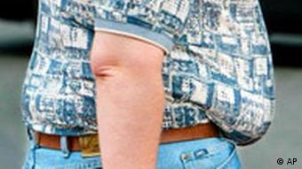 Übergewicht Mann mit Bauch (AP)