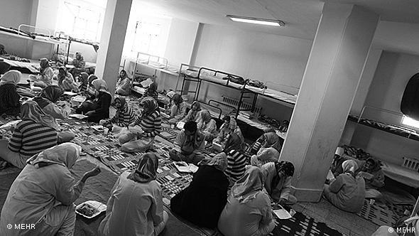 اکثر مادران معتاد یا کارتنخواب به روشهای جلوگیری از بارداری دسترسی ندارند و به عنوان راهحل بچههای خود را فروخته یا اجاره میدهند