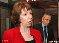 کاترین اشتون، مسئول سیاست خارجی اتحادیه اروپا، در اجلاس بروکسل (۲۳ ژانویه) گفت که «فشار تحریمها باید چنان تأثیری بگذارد که مقامات ایران خواست ما را مبنی بر بازگشت به پای میز مذاکره جدی بگیرند»