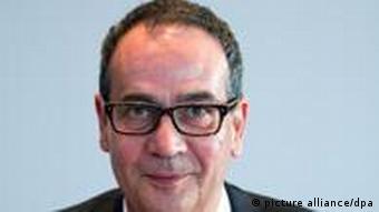 Georg Streiter, neuer stellvertretender Regierungssprecher, nimmt am Mittwoch (14.09.2011) in Berlin erstmals an einer Sitzung des Bundeskabinetts teil. Foto: Michael Kappeler dpa/lbn
