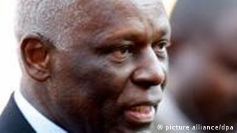 O presidente angolano, José Eduardo dos Santos; FMI e HRW querem explicações sobre disparidade nas contas públicas