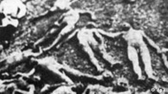 Bodies of dead Armenians in a mass grave