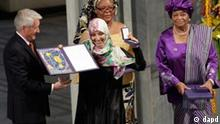 Nobel Peace Prize winners Tawakkol Karman of Yemen, center, Liberian peace activist Leymah Gbowee, behind, and Liberian president Ellen Johnson-Sirleaf, right, receive their diplomas and medals from Nobel Committee Chairman Thorbjoern Jagland, left, at City Hall in in Oslo, Norway Saturday Dec. 10, 2011. The peace prize committee awarded the prize to Karman, Johnson-Sirleaf and Gbowee for championing women's rights in regions where oppression is common and helping women participate in peace-building., (Foto:John McConnico/AP/dapd)