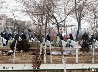 Полицейские в Жанаозене