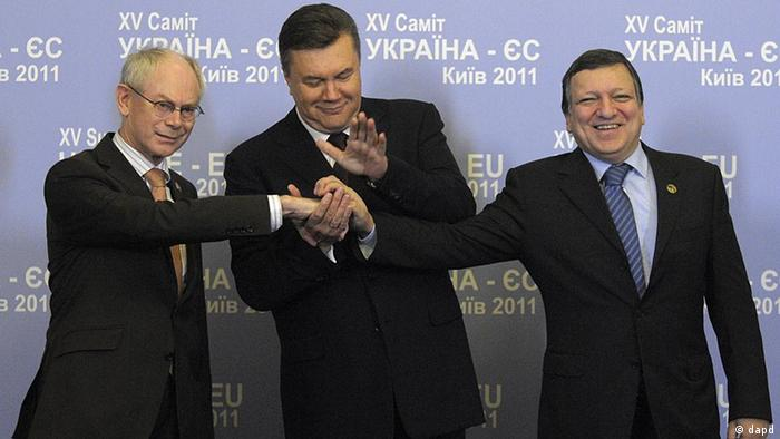 Herman Van Rompuy, Viktor Yanukovich, Jose Manuel Barroso during the EU-Ukraine Summit in Kyiv, December 2011