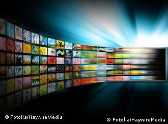 GoldMedia Television Screen with Image Gallery © HaywireMedia #30068090 - Portfolio ansehen
