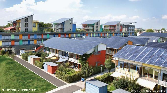 Deutschland Solarsiedlung von Rolf Disch in Freiburg (Rolf Disch Solararchitektur)