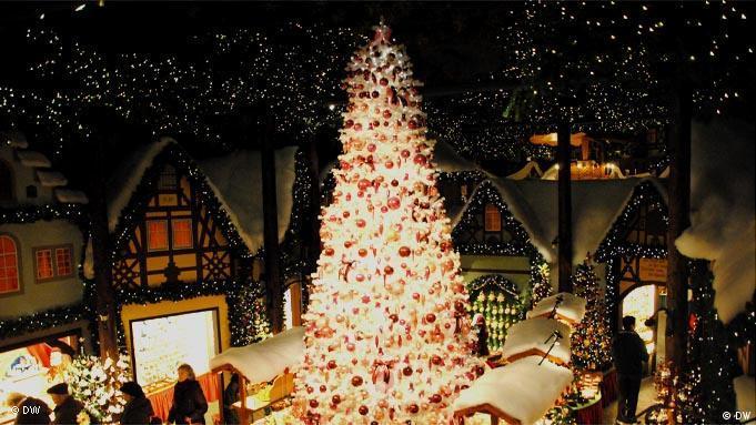 Weihnachtsdeko Laden Berlin.In Rothenburg Ist Das Ganze Jahr Weihnachten Kultur Dw 26 12 2011