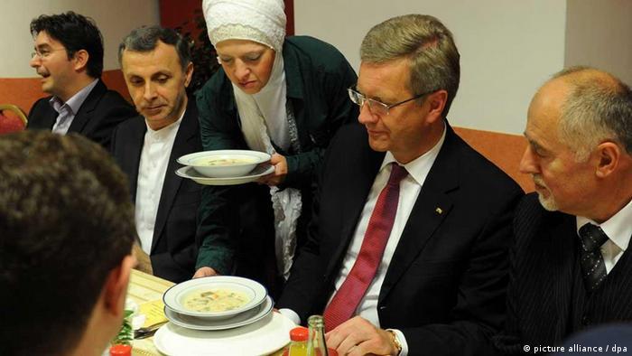 Bivši njemački predsjednik Christian Wulff na iftaru u Islamskom kulturnom centru Bošnjaka u Berlinu (22.8.2011)