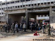 محل انفجار بمب در مقابل یکی از ساختمانهای دستگاه اطلاعاتی، دمشق جمعه ۲۳ دسامبر ۲۰۱۱