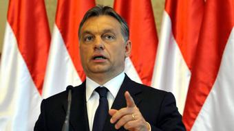 FILE - In this May 30, 2011 file photo, Hungarian Prime Minister Viktor Orban speaks in Budapest, Hungary. With former Czech president Vaclav Havel being bid farewell in a state funeral Friday, there are signs that his legacy is under attack across the region. Human rights groups, the United States and the EU are particularly concerned about Hungary, where Prime Minister Orban's Fidesz party is stacking the courts in its favor and increasing control of the media as it struggles to consolidate a strong hold on power. (Foto:Bela Szandelszky/AP/dapd)