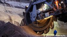 Deutschland Tagebau Heuersdorf Abbaggerung Schaufelradbagger (picture-alliance/dpa)