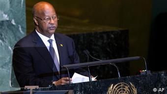 Carlos Gomes Júnior, Primeiro Ministro, esteve em Portugal para pedir apoio na realização das presidenciais de 18 de março