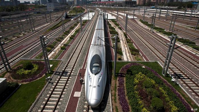 Economia chineză rămâne un tren de mare viteză, dar nu la fel de iute ca în ultimii 10 ani