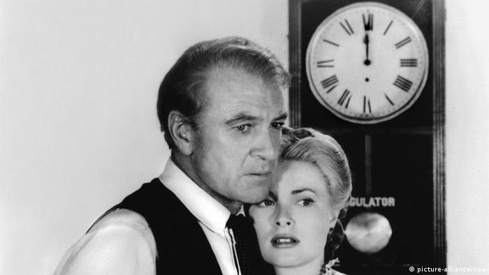 Film still from 'High Noon' with Gary Cooper and Grace Kelly (picture-alliance/dpa)