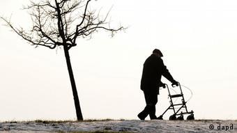 Deutschland Symbolbild Von der Leyen hält Rente mit 67 fuer alternativlos