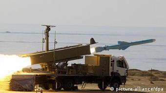 مانور نظامی ایران در کنار تنگه هرمز