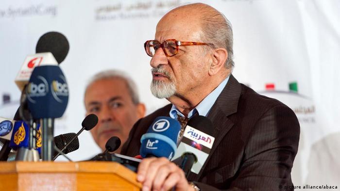 استقالت ثلاثة اعضاء بارزون من المجلس الوطني السوري