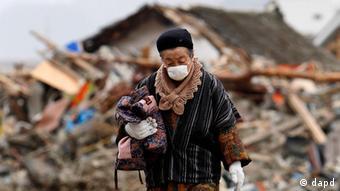 Depois da tripla catástrofe: terramoto, tsunami e desastre nuclear, muitos japoneses tiveram de deixar as zonas onde viviam