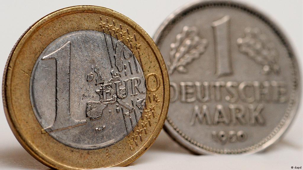 Germans Still Ding Old Deutschmarks
