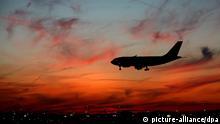 Dentschland Frankfurt Flughafen Symbolbild Flug