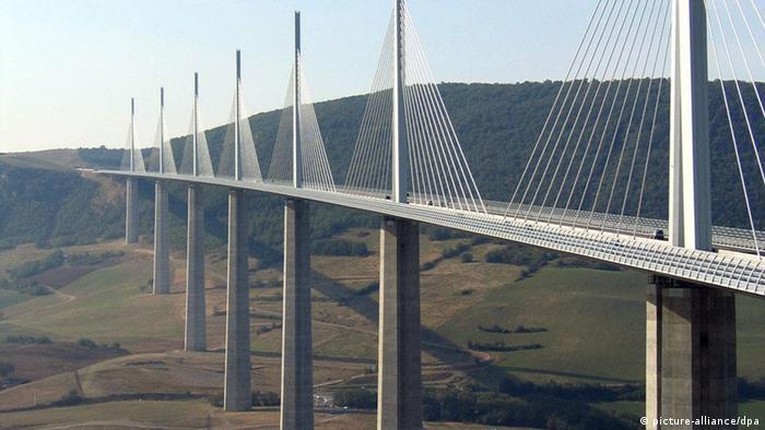 Autobahnbrücke über den Tarn bei Millau