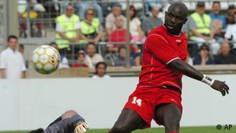 The former Liberian player George Weah in action in Marseille, southern France. Photo:dpa/Claude