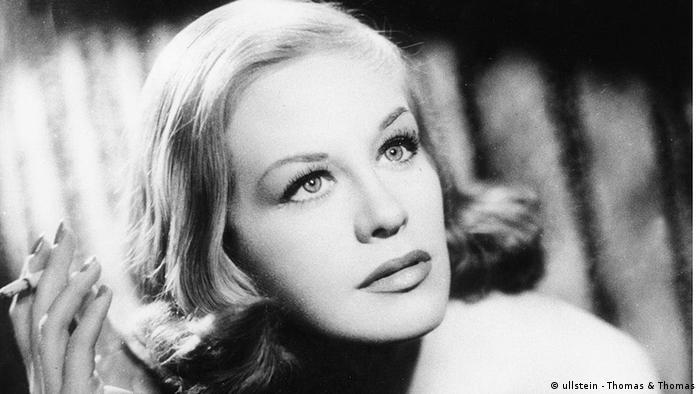 Кадр из фильма Грешница (1951)