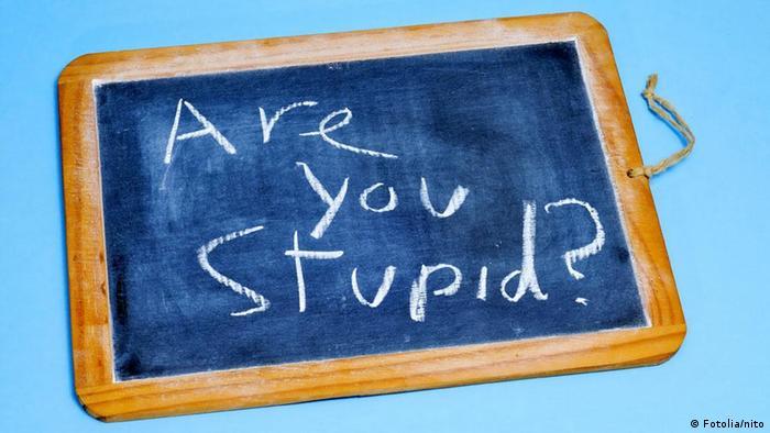 """Suntem """"proști"""" sau """"inteligenți""""?"""