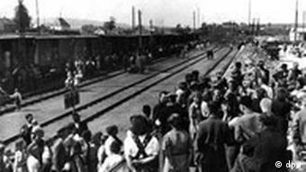 Ein Flüchtlingszug sudetendeutscher Aussiedler