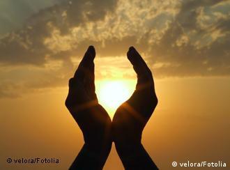 یکی از منابع اصلی ویتامین د نور خورشید است