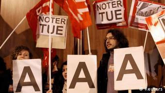 Παλαιότερη διαμαρτυρία κατά της Standard and Poor's στο Παρίσι.